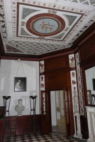Wnętrza Świątyni Diany - Gabinet Etruski.