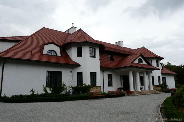 Dworek zbudowany w 2008 r. wg projektu sprzed stu lat.