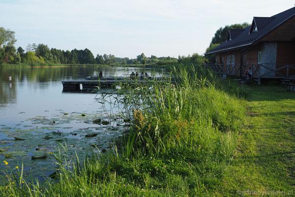 Nad zalewem jest cała niezbędna infrastruktura turystyczna