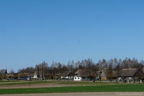 Widok na dawną wieś mazowiecką.