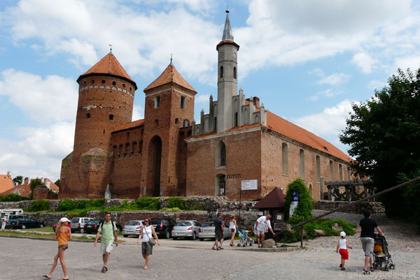 Zamek biskupów warmińskich (XIV-XVIII w) w Reszlu.