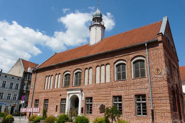 Gotycki ratusz (przebudowywany), Olsztyn.