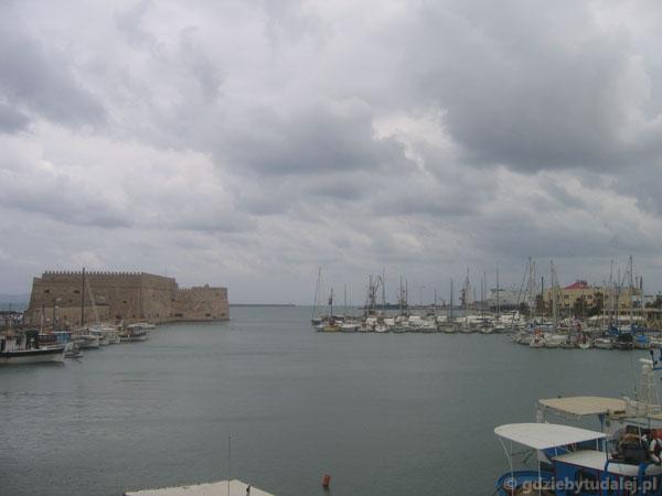 Port z twierdzą Kules, XVI w