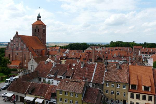 Widok z zamkowej wieży na Reszel.