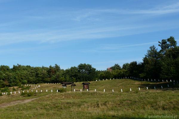 Rezerwat archeologiczny na Wzgórzu Wisielców.