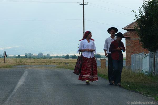 Rumunia, Rumuni i Romowie.