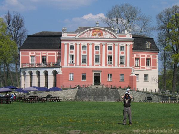 Zespół parkowo-pałacowy w Kurozwękach