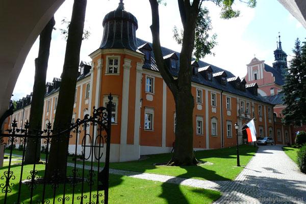 Barokowy zespół klasztorny w Gościkowie-Paradyżu.