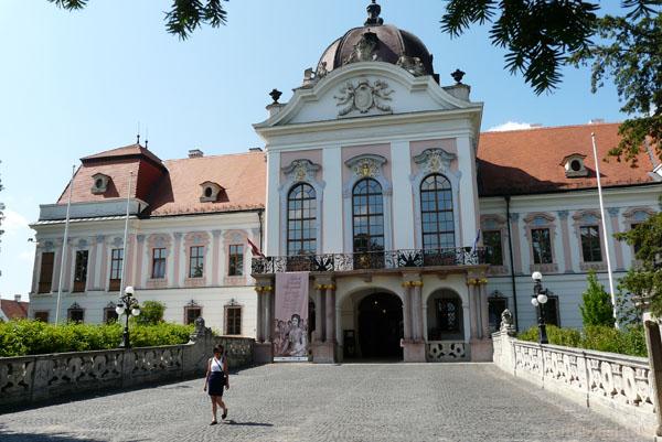 Barokowy Pałac Grassalkovichów (XVIII) w Godollo.