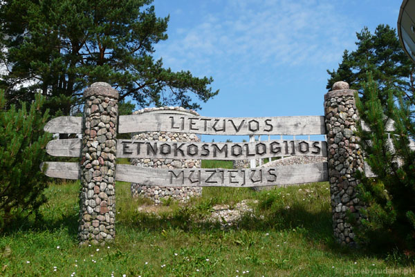 Muzeum Etnokosmologiczne k. Malatów.