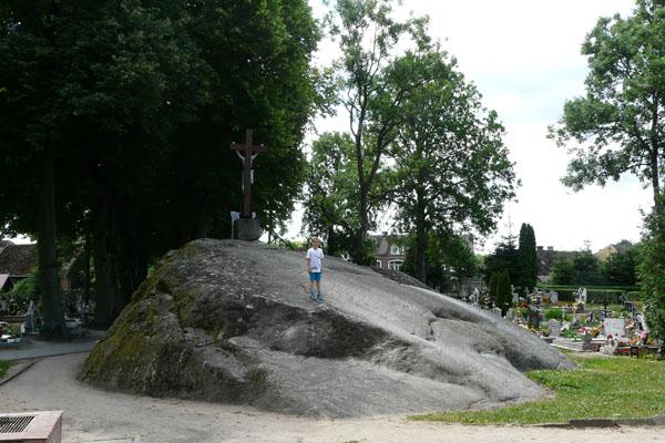 Na cmentarzu parafialnym w Tychowie...