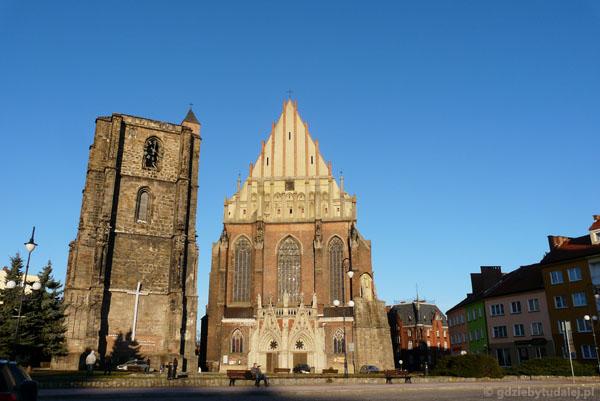 Nyska katedra (XV) i dzwonnica (XVI).