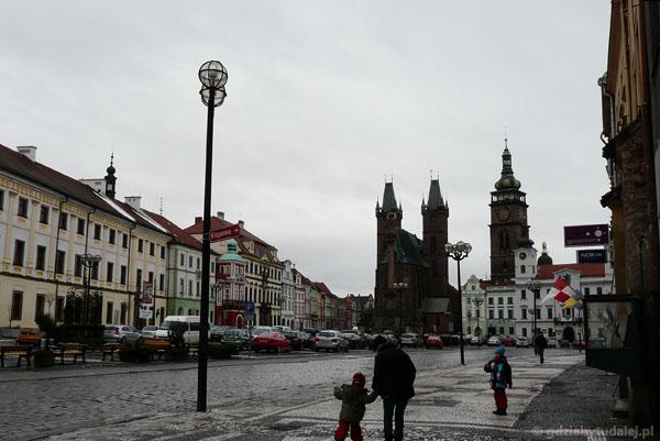 Wielki rynek w Hradcu Kralove.