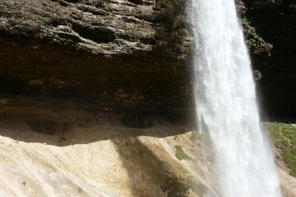 Wodospad Pericnik, M. za słupem wody.