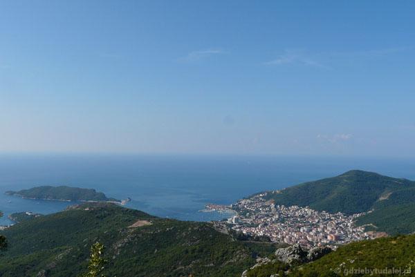 Wybrzeże Adriatyku w okolicy Budvy.