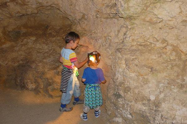 Światełka 'gumu-gumu' fascynują chłopców.