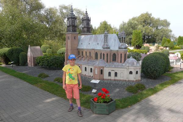 Katedra na Ostrowie Tumskim w Poznaniu.