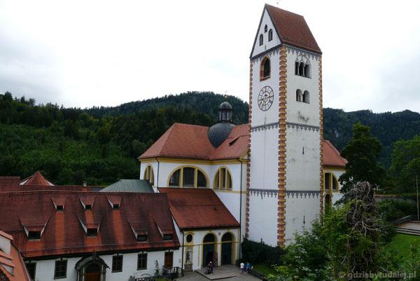 Füssen - kościół parafialny (przeb. pocz. XVIII) w opactwie św. Magnusa.