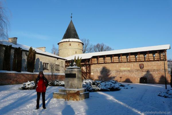 Fragmenty średniowiecznych murów obronnych.