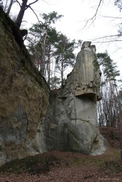 Kamień Leski w pełnej okazałości.