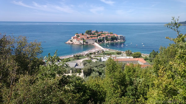 Wyspa Sveti Stefan - turystyczna wizytówka Czarnogóry.