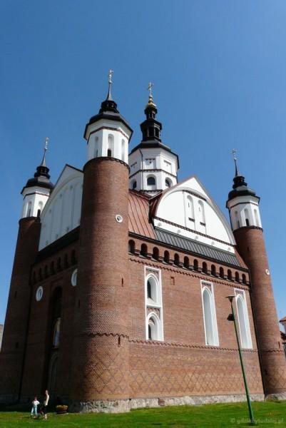 Gotycka (pocz. XVI) cerkiew obronna w Supraślu.