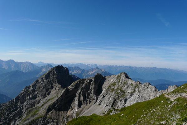 Widok na ferratę Mittenwalder Hohenweg - tu będziemy szli.