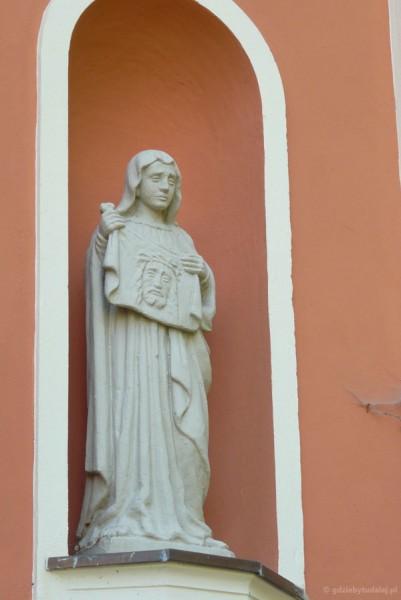 Święta Weronika ociera twarz Panu Jezusowi.