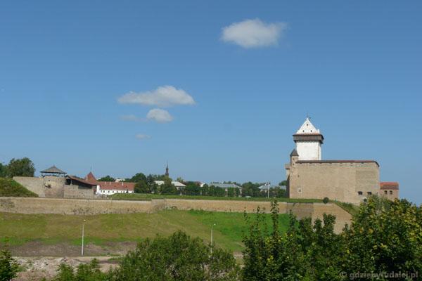 Estoński zamek w Narwie.