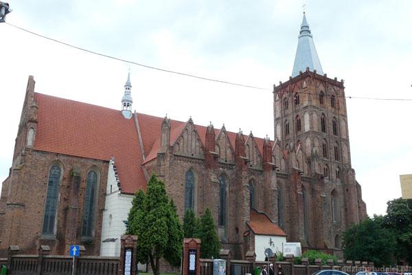 Gotyki kościół farny (XIII-XIV).