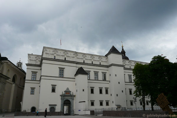 Odbudowany zamek dolny, 2009 r.