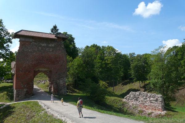 W Parku zamkowym w Viljandi.