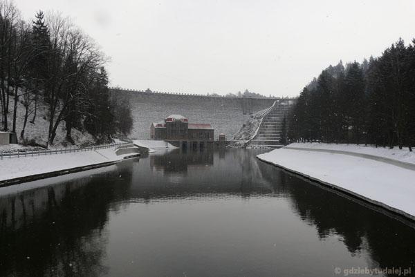 Zapora na Bobrze w Pilchowicach.