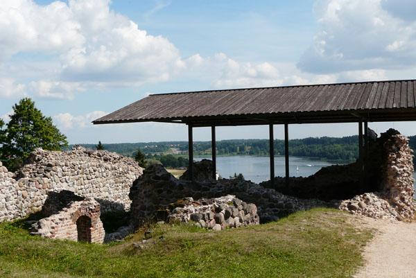 Spojrzenie na jezioro Viljandi.