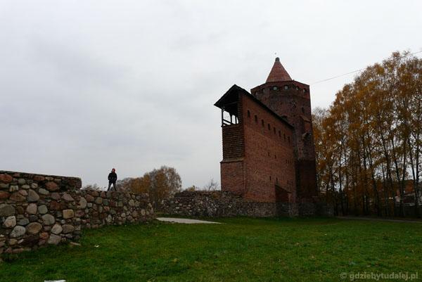 Wieża i mury Zamku w Rawie Mazowieckiej.