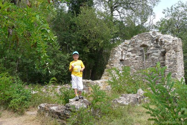 Ruiny średniowiczenego kościółka Ujlaki, Tihany.