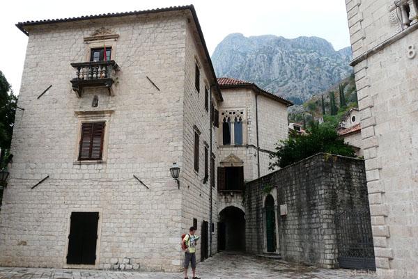 Gotycki pałac Draga.