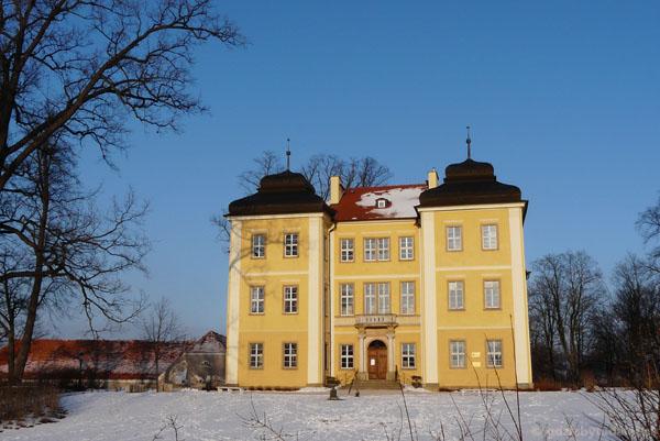 Pałac w Łomnicy (XVIII).