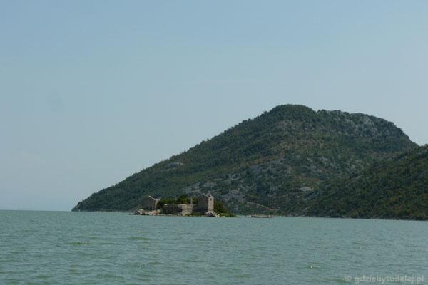 Poturecka twierdza na wyspie Grmožur.