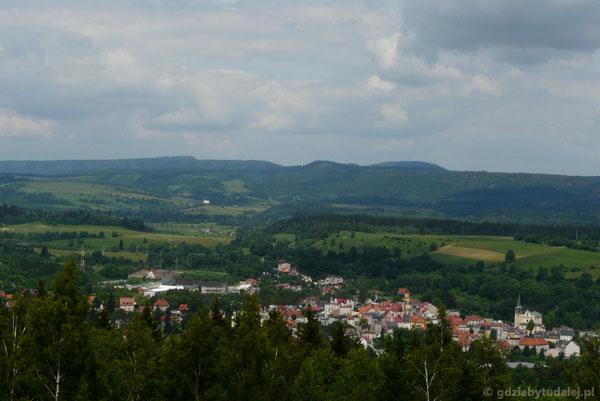 Widok na Duszniki sprzed schroniska.