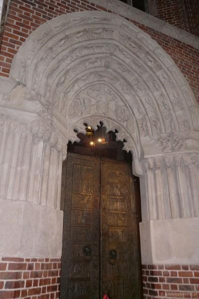 Drzwi Gnieźnieńskie, XII w.