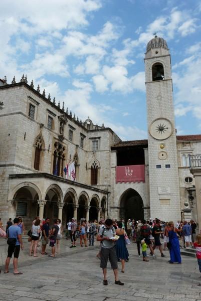 Gotycko-renesansowy Pałac Sponza, loggia i Wież Zegarowa (XV).