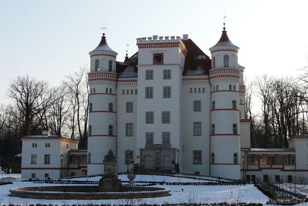 Pałac w Wojanowie (XVII, przeb.XIX).