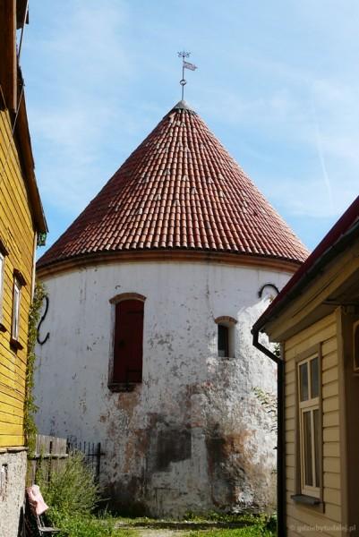 Czerwona Wieża, XV w.