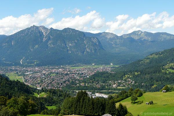 Garmisch-Partenkirchen z góry.