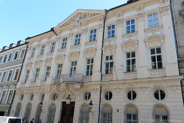 Pałac arcybiskupi (XVIII), b. siedziba J. Ratzingera.