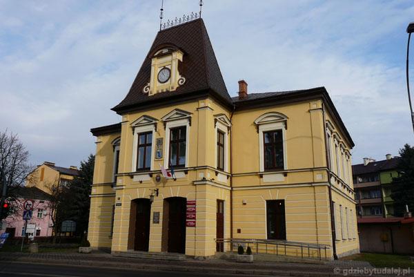 Ratusz w Lesku (kon. XIX).