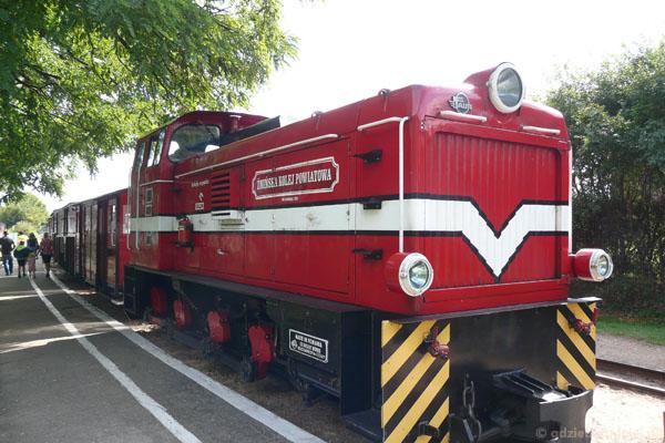 Wenecja. Stoi na stacji lokomotywa...
