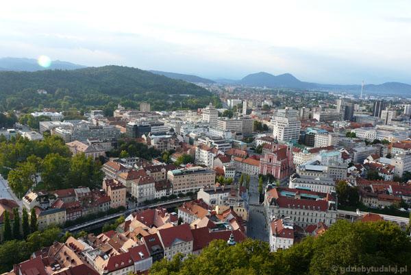 Widok na Ljublianę z zamkowej wieży.