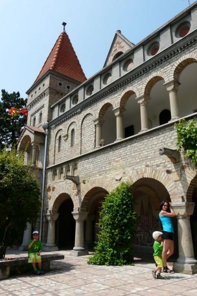 Zamek Bory-var.